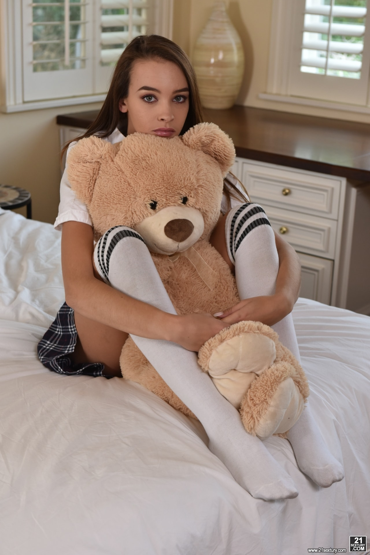 21Sextury 'Teddy Bears, Feet and Sex' starring Charity Crawford (Photo 1)
