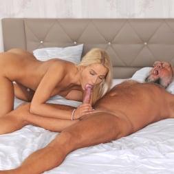 Cherry Kiss in '21Sextury' Dreaming of Grandpa (Thumbnail 265)