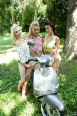 Cherry Kiss - Pin-up Picnic (Thumb 07)