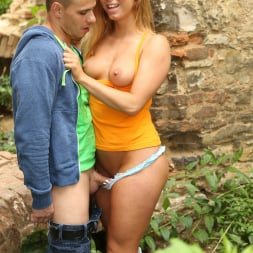 Chrissy Fox in '21Sextury' Sex In The Ruins (Thumbnail 12)