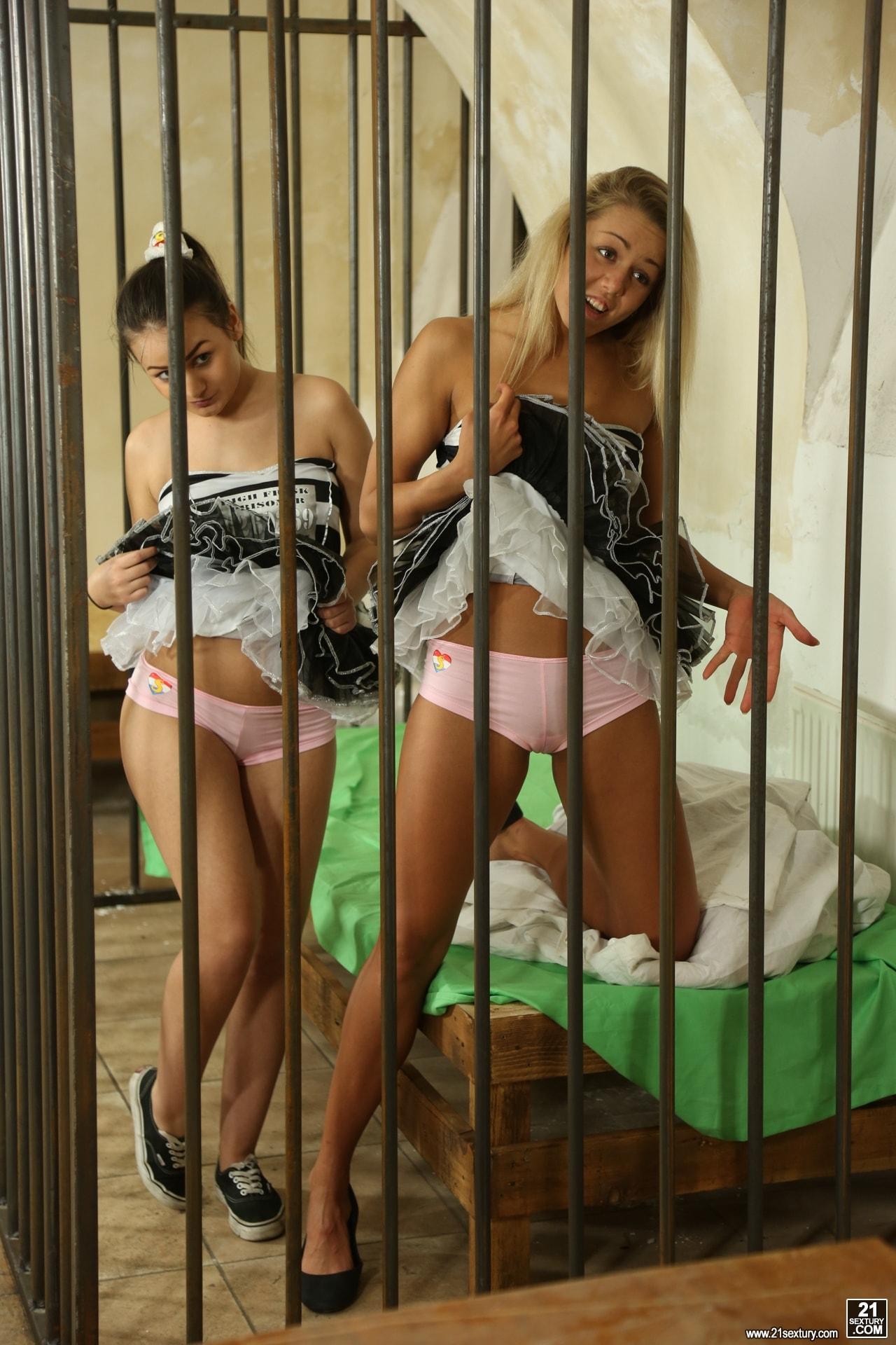 21Sextury 'High Frisk Prisoners' starring Christen Courtney (Photo 2)