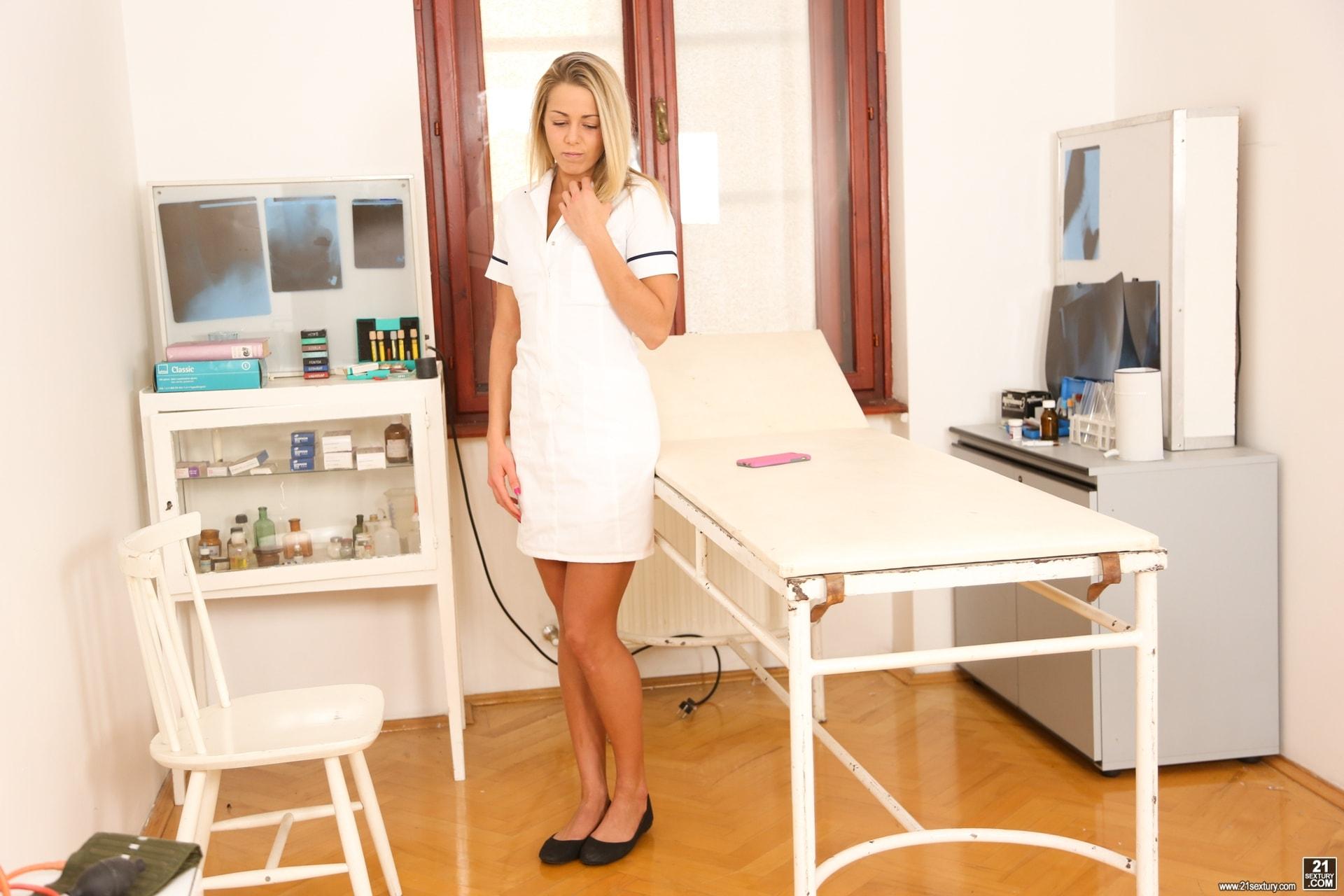 21Sextury 'Teenage Hospital Fantasies' starring Christen Courtney (Photo 2)