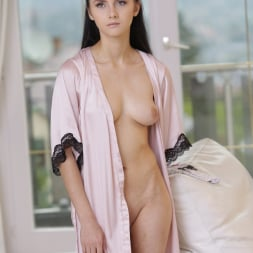 Crystal Greenvelle in '21Sextury' Window to my Body (Thumbnail 1)