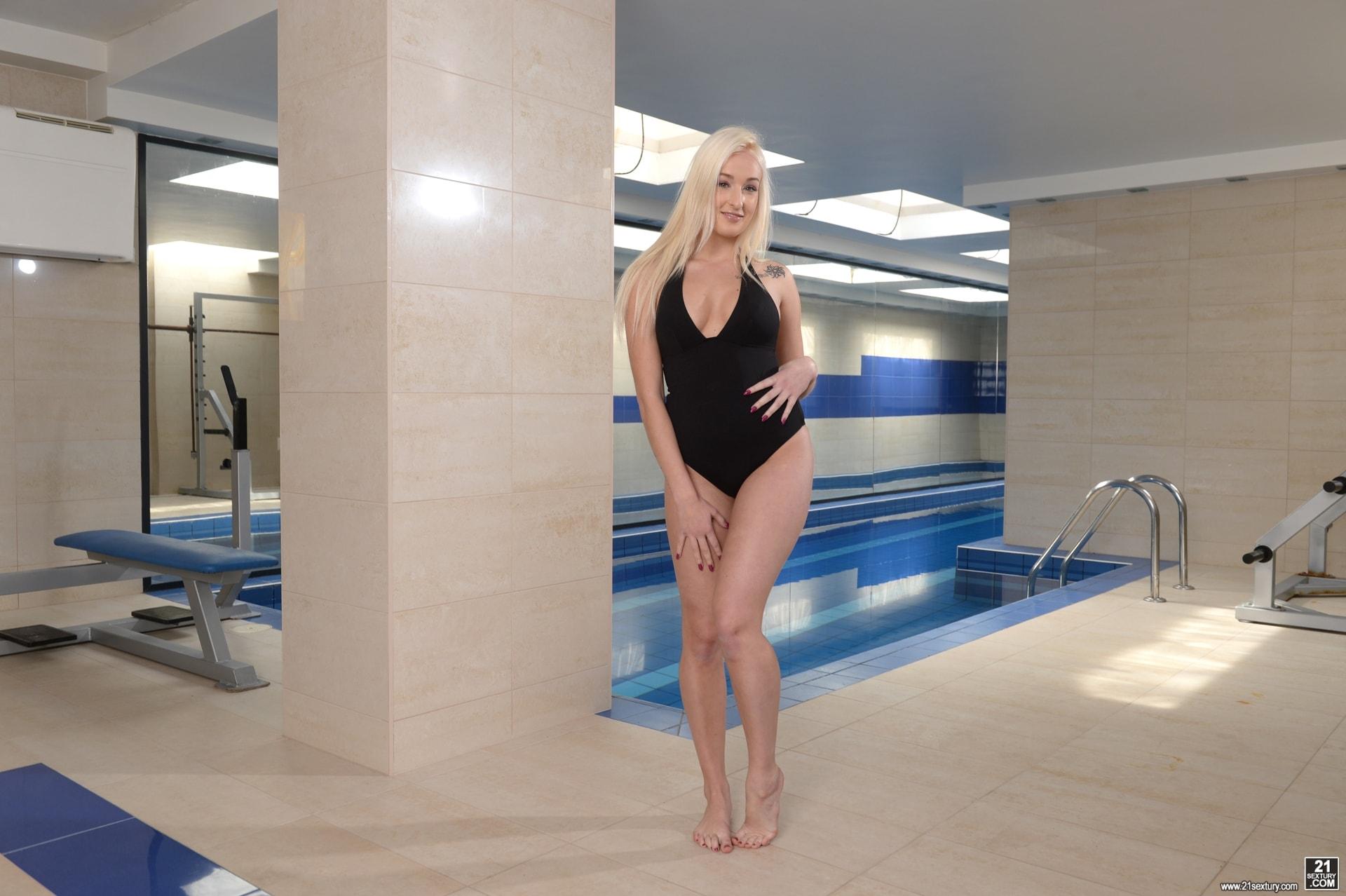 21Sextury 'Naughty Spa Pleasures' starring Daisy Lee (Photo 1)