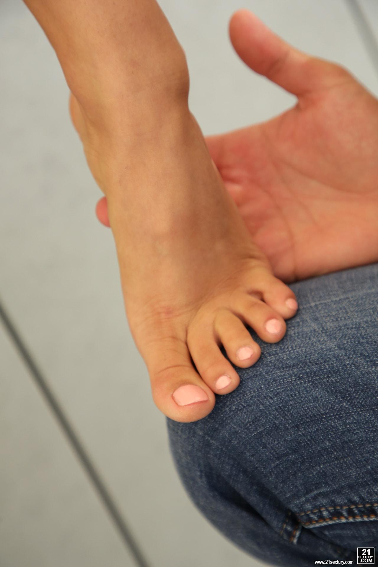 21Sextury 'Suck My Toes' starring Darcia Lee (Photo 49)