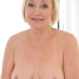 Dolly Blonde in '21Sextury' Granny's Anal Pleasures (Thumbnail 28)