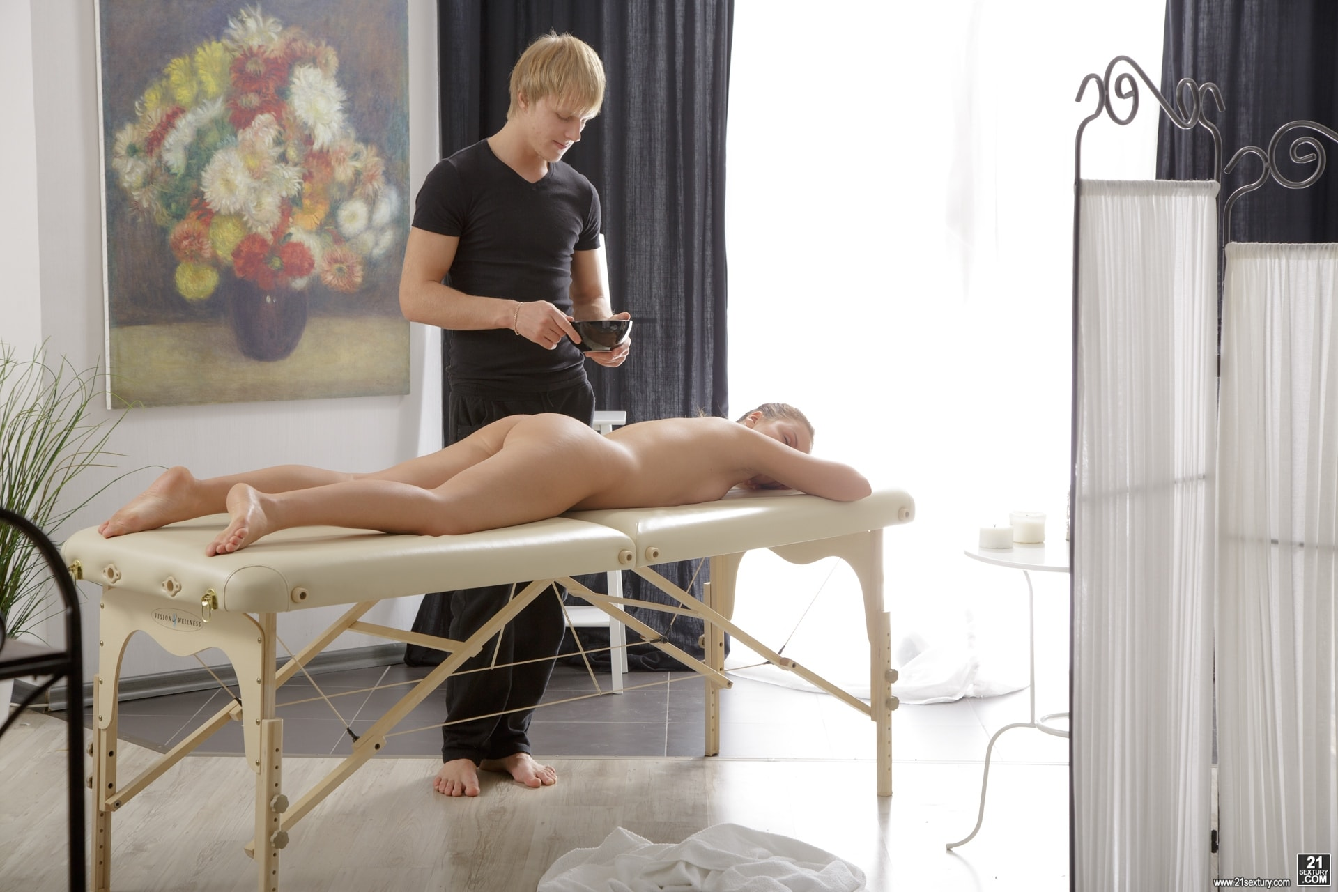 21Sextury 'Relaxation Session' starring Emma Brown (Photo 16)