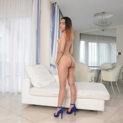 Esperanza del Horno in '21Sextury' Welcome To My Nudist House (Thumbnail 12)