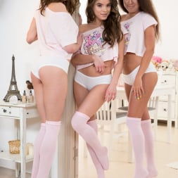 Evelina Darling in '21Sextury' Pink, Cute and Naughty (Thumbnail 1)