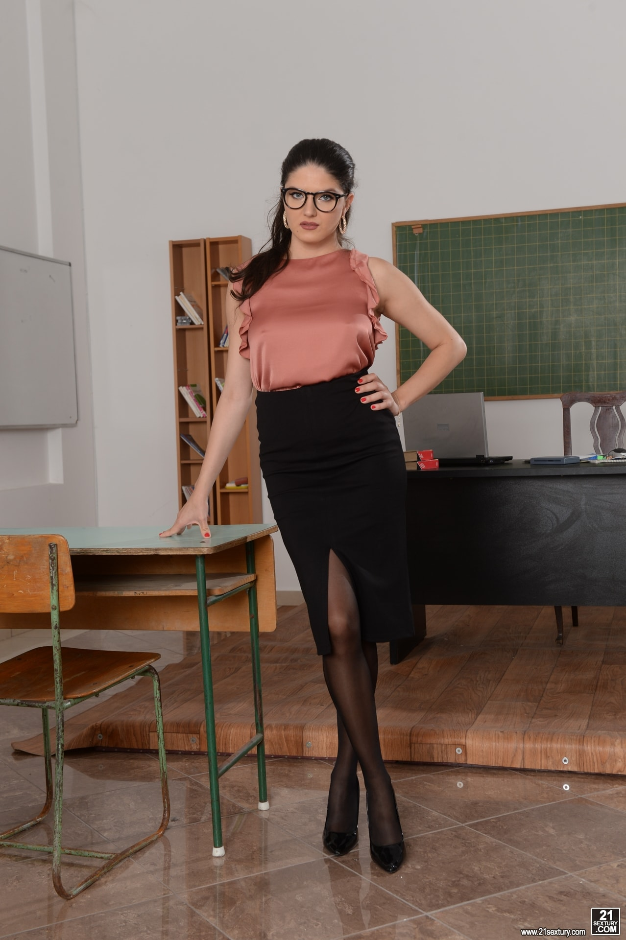 21Sextury 'Hot For Teacher!' starring Franceska Dicaprio (Photo 1)