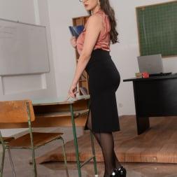 Franceska Dicaprio in '21Sextury' Hot For Teacher! (Thumbnail 6)
