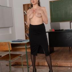 Franceska Dicaprio in '21Sextury' Hot For Teacher! (Thumbnail 12)