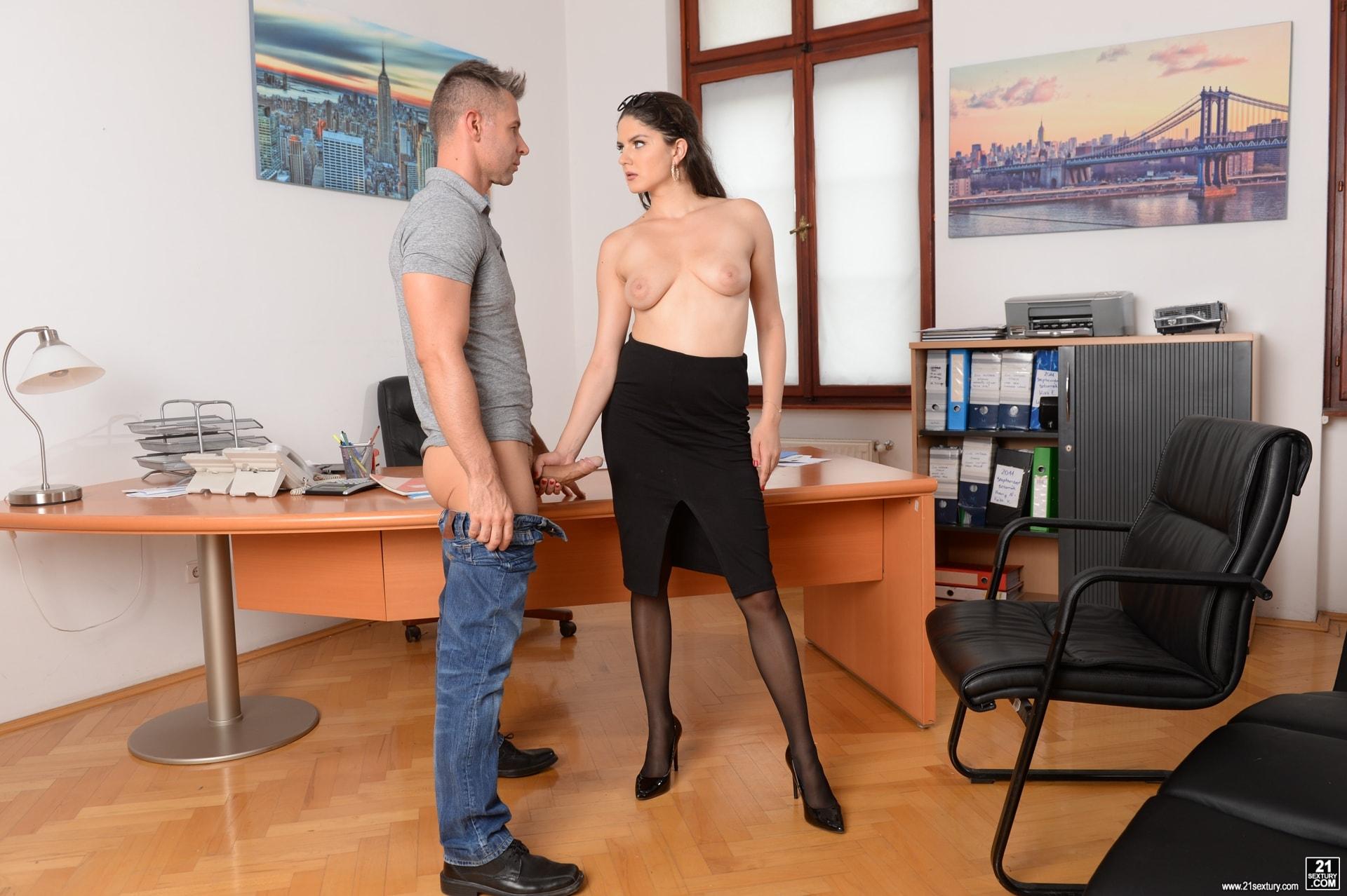 21Sextury 'Hot For Teacher!' starring Franceska Dicaprio (Photo 18)