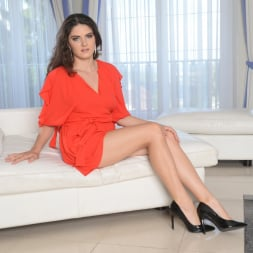 Franceska Dicaprio in '21Sextury' Make It A Double (Thumbnail 1)
