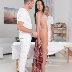 Francys Belle in '21Sextury' Double Pounding Massage (Thumbnail 24)