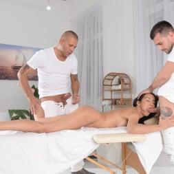 Francys Belle in '21Sextury' Double Pounding Massage (Thumbnail 48)
