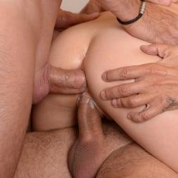 Gabriella Lati in '21Sextury' Sex Ed Threesome (Thumbnail 88)