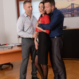 Geni Juice in '21Sextury' Double Duty at the Office (Thumbnail 54)