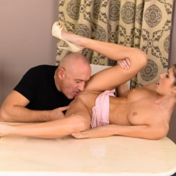 Gina Gerson in '21Sextury' The Brat and the Grandpa (Thumbnail 33)