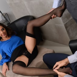 Henessy in '21Sextury' Threesome At The Office (Thumbnail 24)
