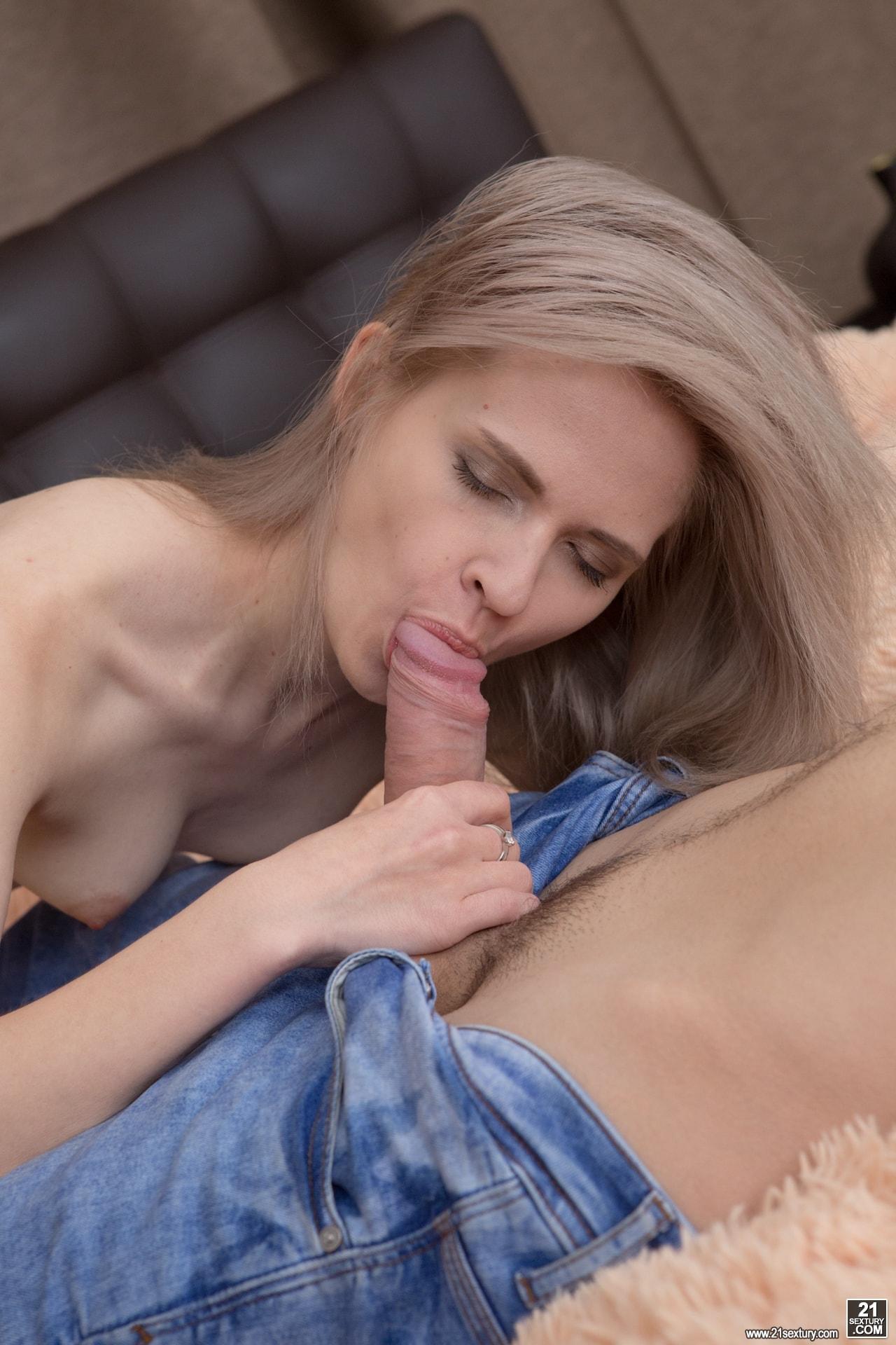21Sextury 'Anal Teen' starring Herda Wisky (Photo 80)