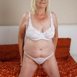 Irene in '21Sextury' Naughty Granny's Cravings  (Thumbnail 1)