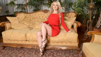 Jemma Valentine in 'Red Like Passion'
