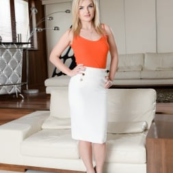Jemma Valentine in '21Sextury' The Perfect Wife (Thumbnail 1)