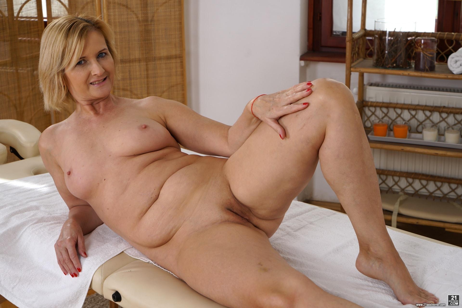21Sextury 'Jennyfer's Anal Massage' starring Jennyfer (Photo 14)