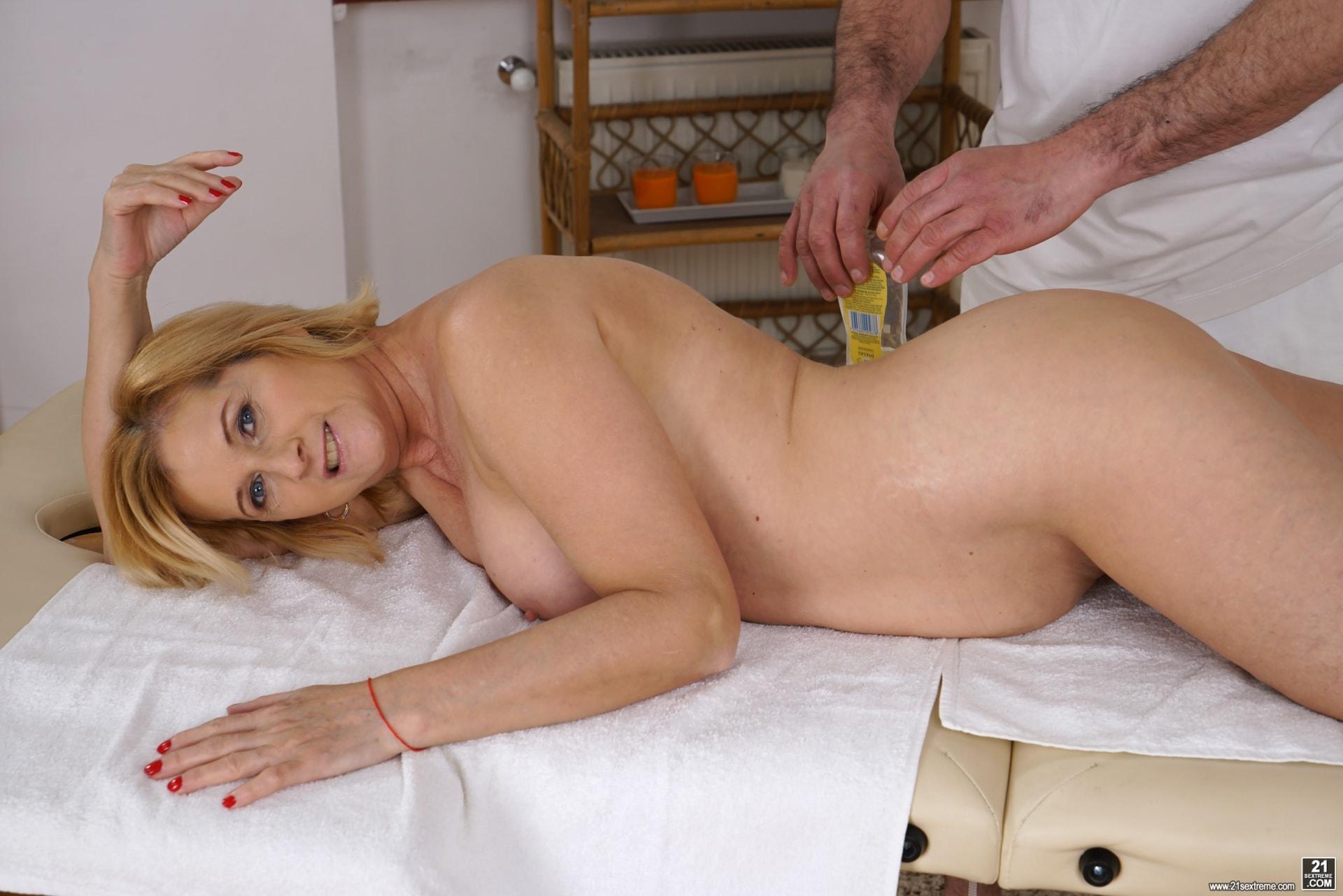 21Sextury 'Jennyfer's Anal Massage' starring Jennyfer (Photo 56)