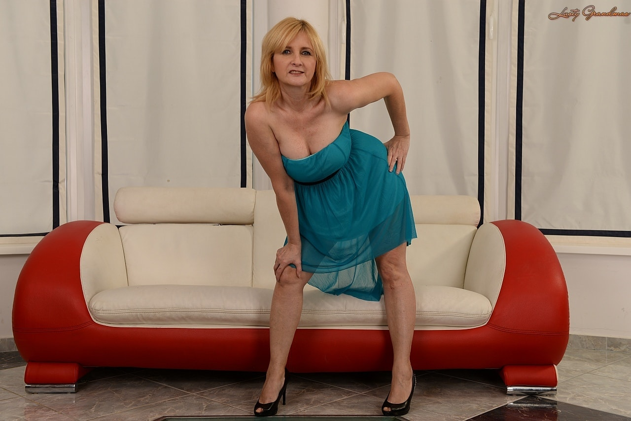 21Sextury 'The Merits of Age' starring Jennyfer (Photo 14)