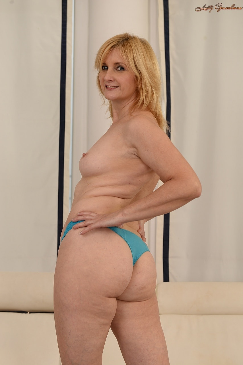 21Sextury 'The Merits of Age' starring Jennyfer (Photo 28)