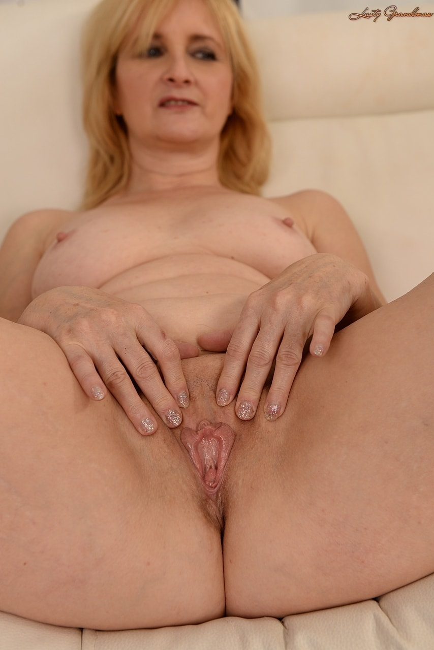 21Sextury 'The Merits of Age' starring Jennyfer (Photo 42)