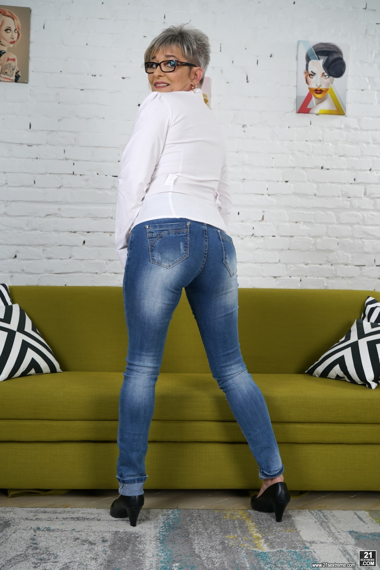 21Sextury 'Lusty Jessye Steamy Affair' starring Jessye (Photo 19)