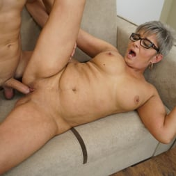 Jessye in '21Sextury' The Charms Of A Granny's Pussy (Thumbnail 195)