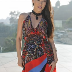 Kalina Ryu in '21Sextury' A dame to worship (Thumbnail 1)