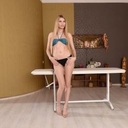 Karina Grand in '21Sextury' A Hard Massage (Thumbnail 1)
