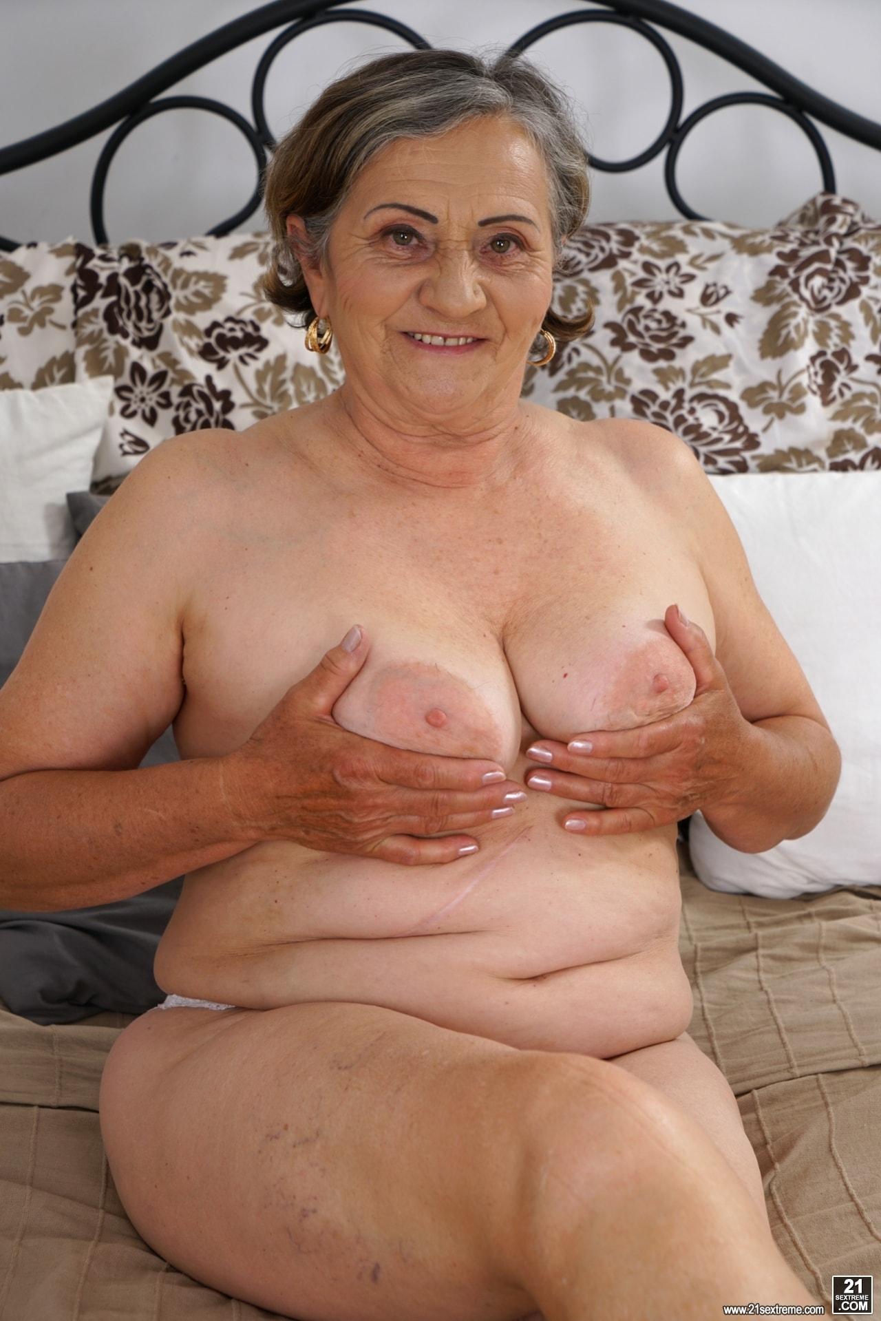 21Sextury 'Horny Hairy Granny' starring Kata (Photo 36)