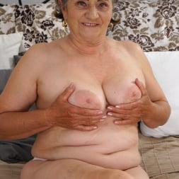 Kata in '21Sextury' Horny Hairy Granny (Thumbnail 36)