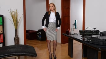 Kery Miller in 'Office Gossips'