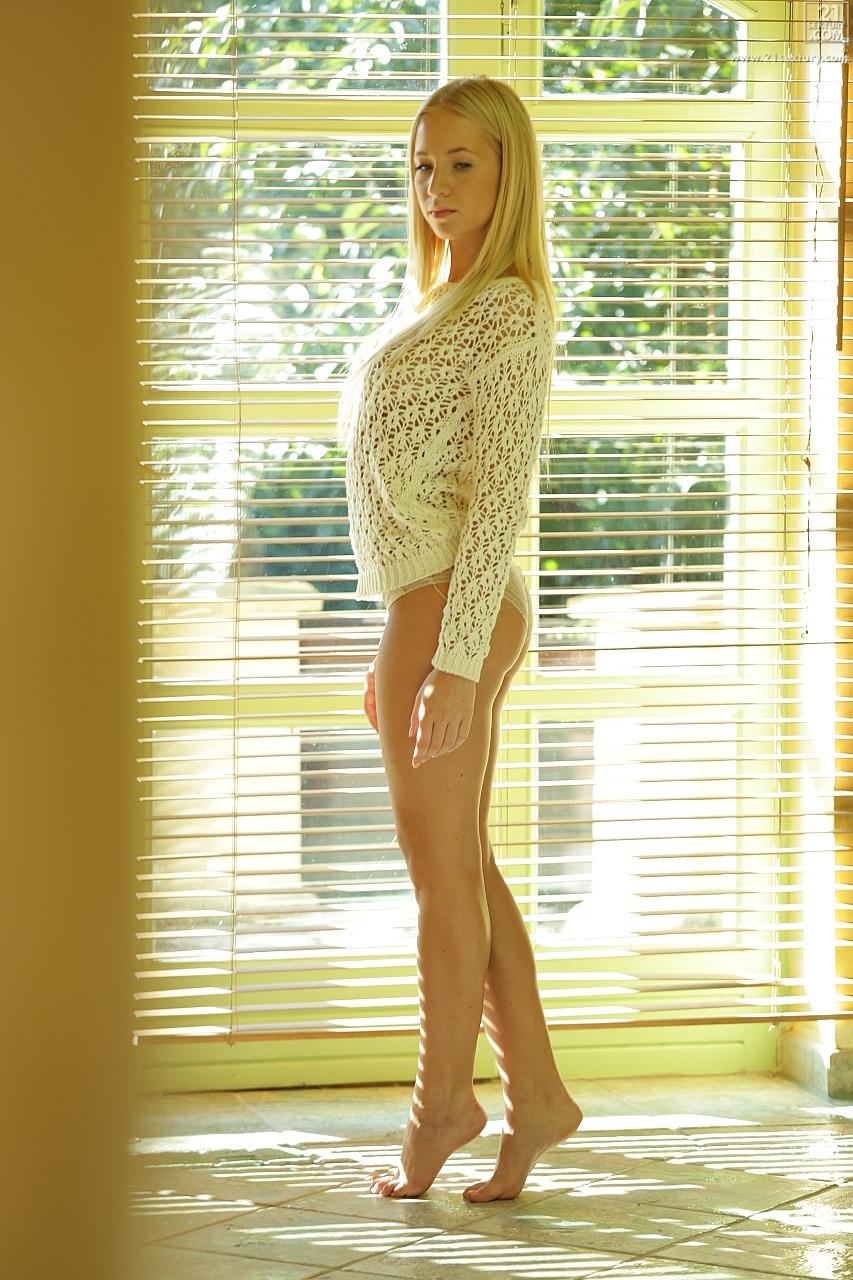 21Sextury 'Glorious Morning' starring Kiara Lord (Photo 1)