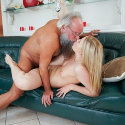 Kiara Night in '21Sextury' Bang Me Grandpa (Thumbnail 153)