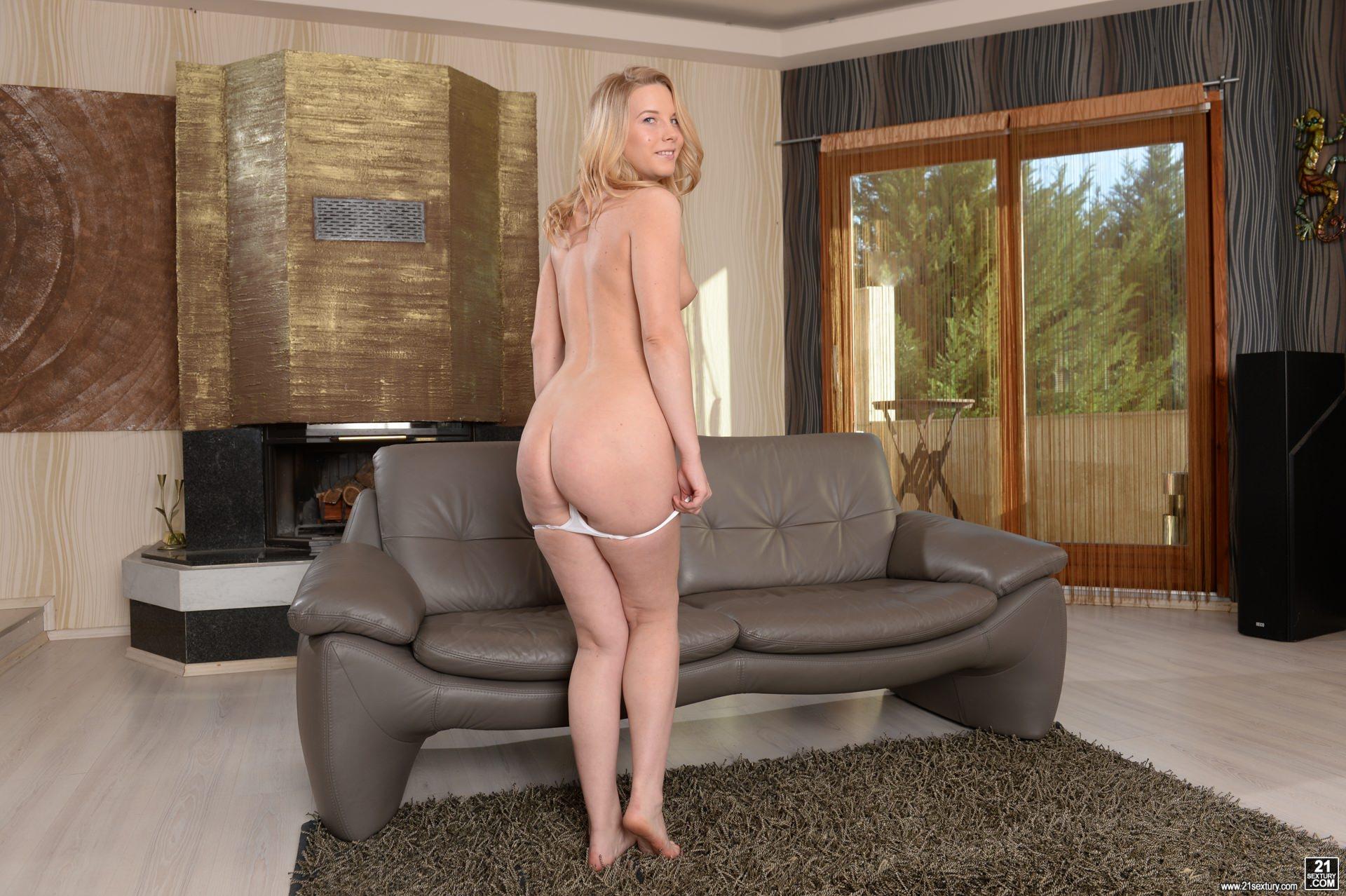 Sexy Teen Kiara Night Gets Impaled And Creampied