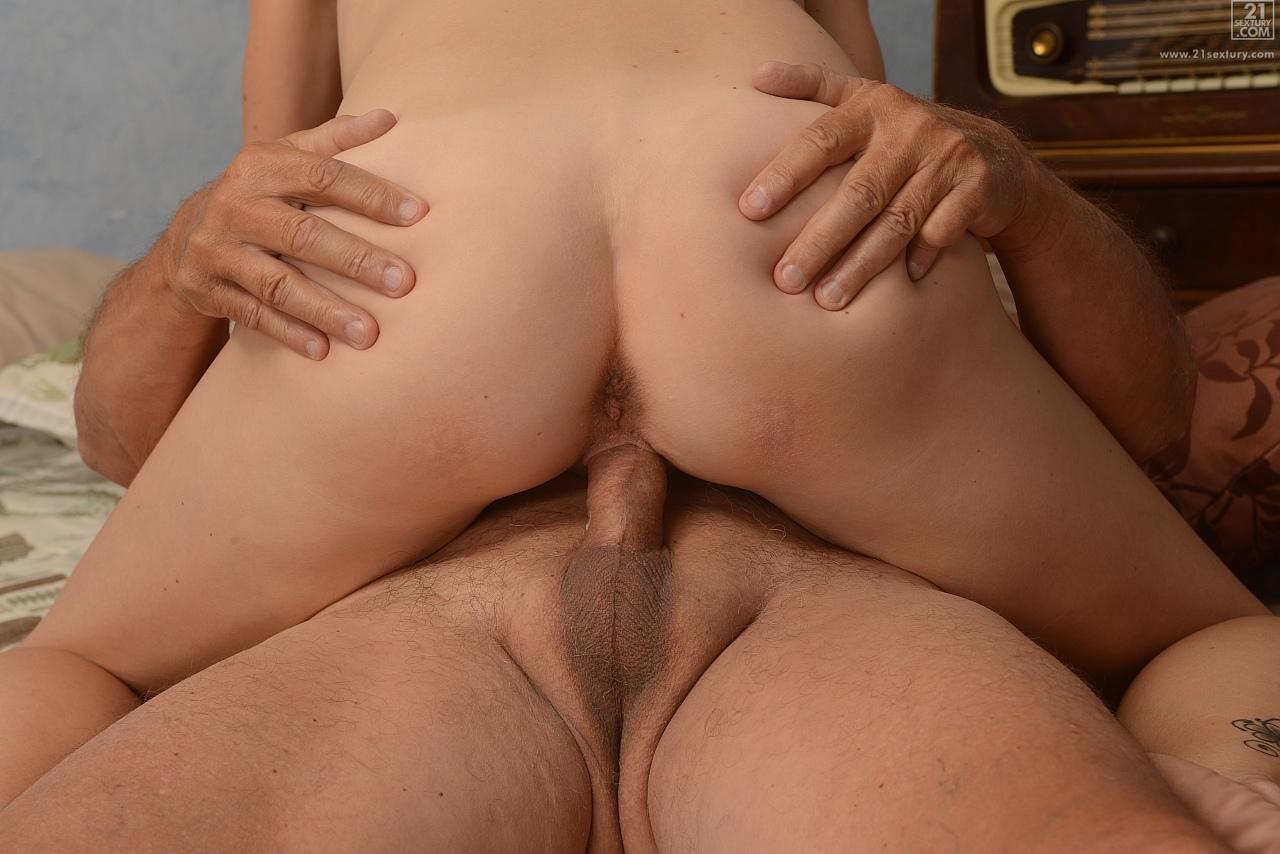 21Sextury 'Mature Fun' starring Kimberley (Photo 72)