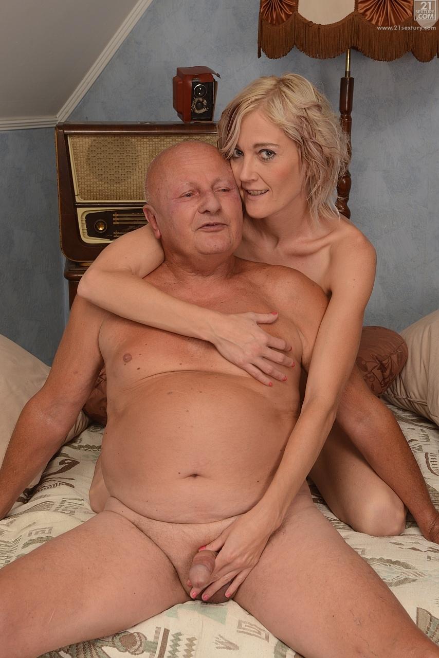 21Sextury 'Mature Fun' starring Kimberley (Photo 108)