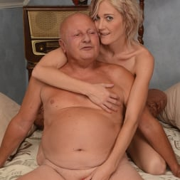 Kimberley in '21Sextury' Mature Fun (Thumbnail 108)