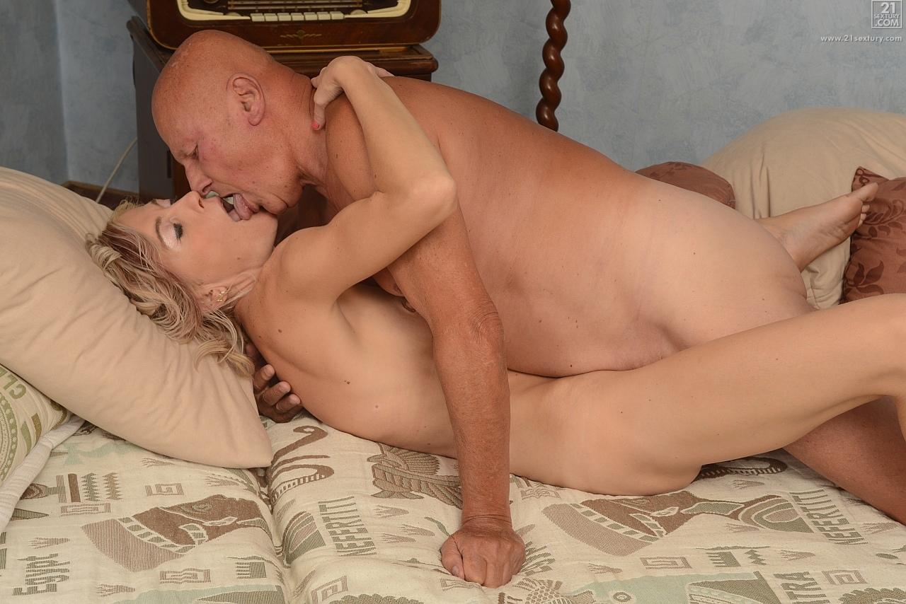 21Sextury 'Mature Fun' starring Kimberley (Photo 120)