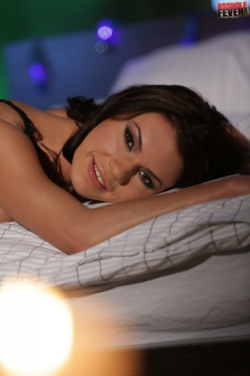21Sextury 'Bad Girls Get Gifts Too' starring Kitana Lure (Photo 30)