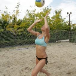 Kitana Lure in '21Sextury' Beach Babe Butt-Sex (Thumbnail 14)