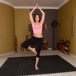 Kitana Lure in '21Sextury' Flexible Yoga Instructor (Thumbnail 1)